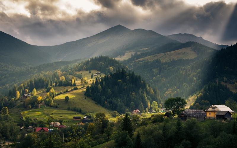 Гора Дземброня