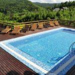 Готелі з басейном в Карпатах